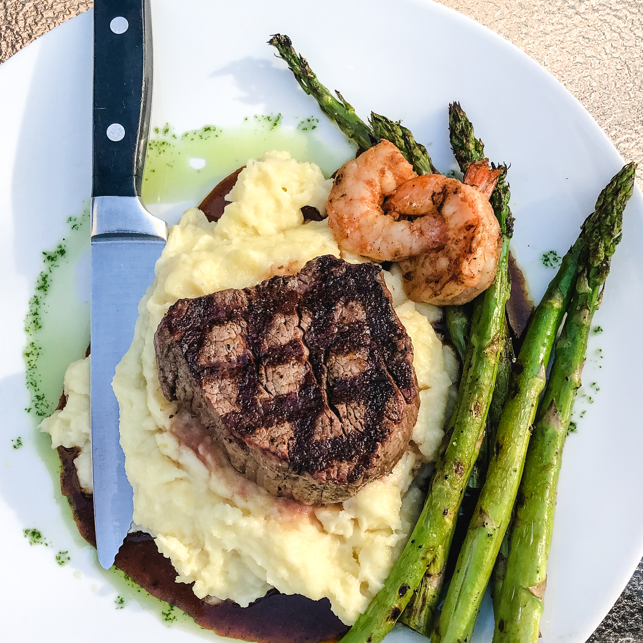 Nothing like a succulent Surf 'N Turf dinner ...